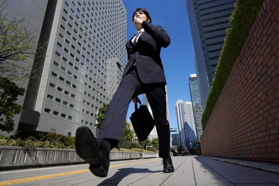 20代ビジネスマンのイメージ