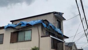 台風で被災した建物の画像