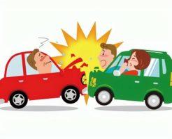 乗用車同士の正面衝突事故